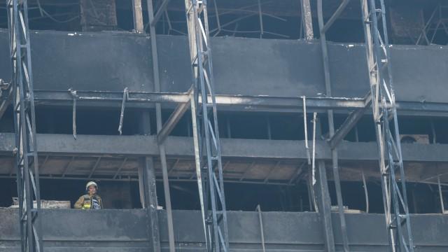 Polisi Minta Keterangan Pembuat Lift di Gedung Kejaksaan Agung yang Terbakar (7024)