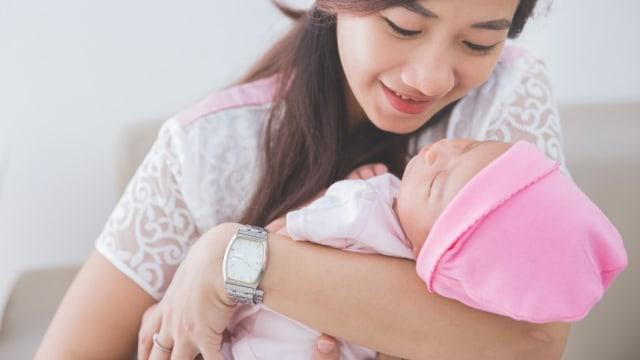 10 Hal Aneh tapi Normal Terjadi pada Bayi Baru Lahir (27705)