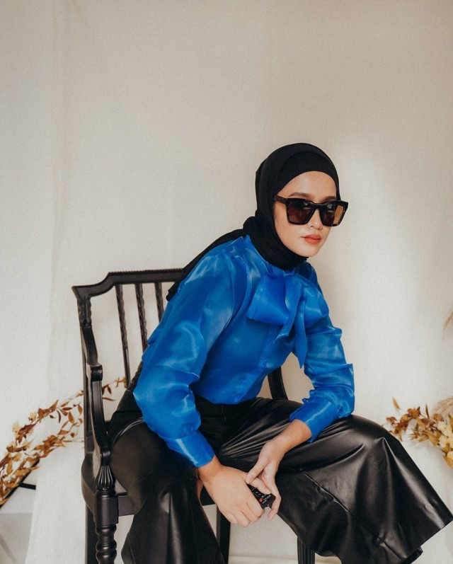 Tipe Kepribadian Orang yang Suka Busana Warna Biru (2)