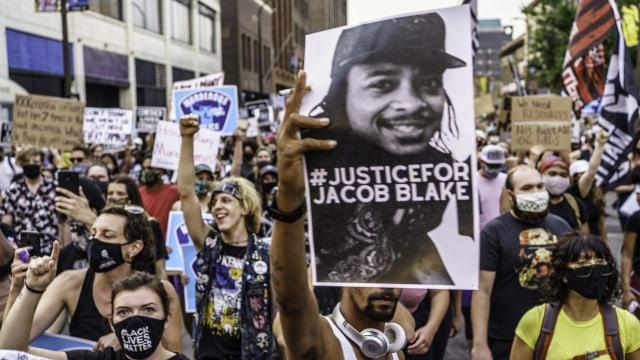 Kekerasan Polisi AS ke Warga Kulit Hitam: dari George Floyd ke Daunte Wright (322486)