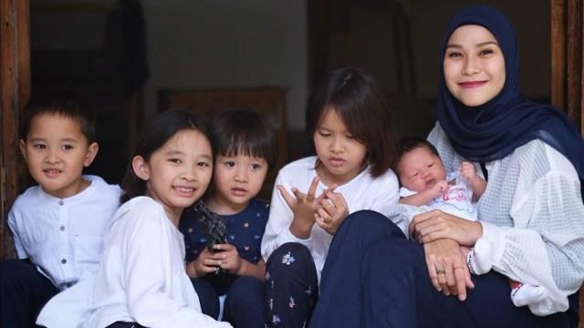 Zaskia Adya Mecca Deg-degan Dengar Kabar Sekolah Akan Dibuka Awal Tahun Depan (10806)
