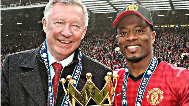 Saat Patrice Evra Paksa Sir Alex Ferguson Ubah Starting Eleven Pilihannya (25685)