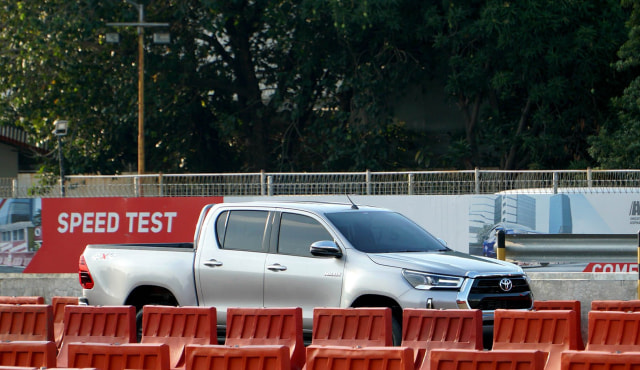 Toyota New Hilux, Suplemen Tambahan Dorong Penjualan di Masa Pandemi (91119)
