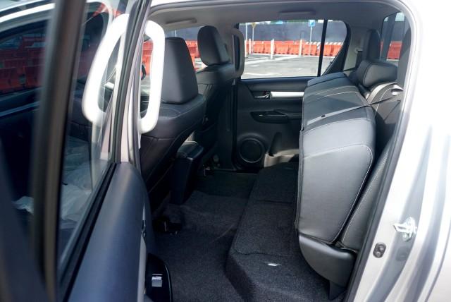 Toyota New Hilux, Suplemen Tambahan Dorong Penjualan di Masa Pandemi (91126)