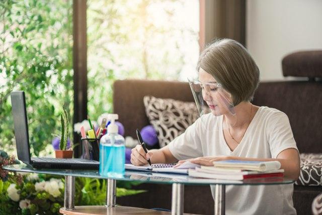 Adaptasi Kebiasaan Baru Dimulai, Ini Tips Tetap Sehat dan Santai di Rumah (6488)