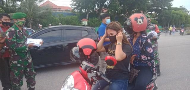 Gerakan Berbagi 10 Ribu Masker Ke Warga di Karimun (369836)