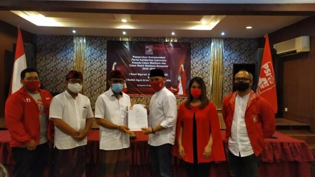 Bantah Cari Aman,Giring Serahkan Rekomendasi pada Calon PDIP di Denpasar (3288)