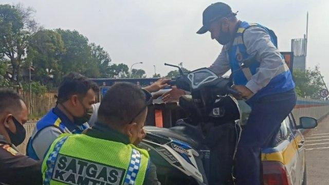 Ingat Lagi, Denda Rp 500 Ribu Menanti Pemotor Masuk Jalan Tol (290201)