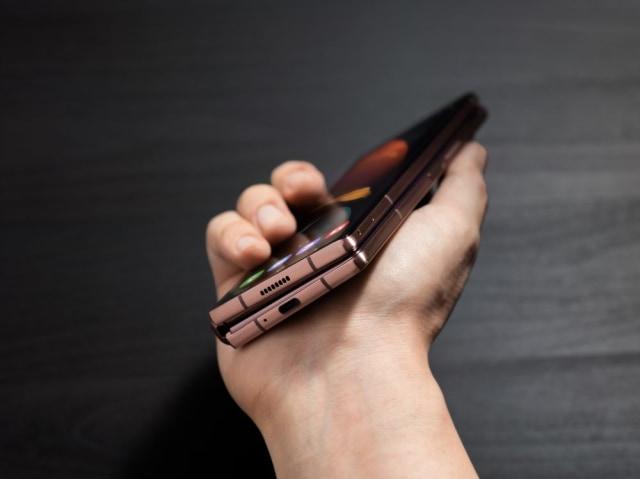 7 Peningkatan Samsung Galaxy Z Fold2 Dibanding Pendahulunya (302288)