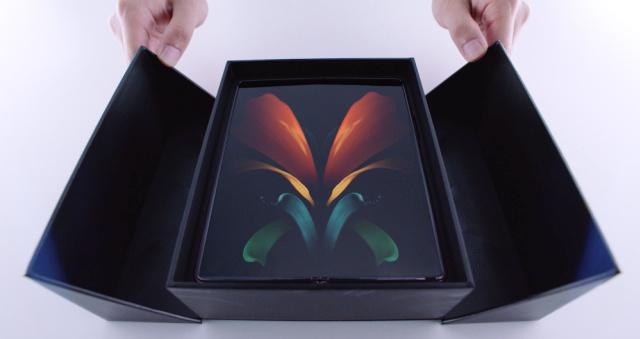 7 Peningkatan Samsung Galaxy Z Fold2 Dibanding Pendahulunya (302290)