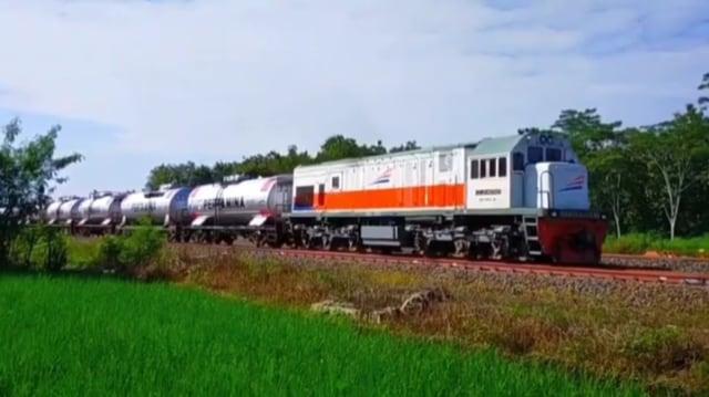 Istri Ngidam Ingin Naik Kereta Api Pertamina, Suami Bingung Bukan Main (42297)