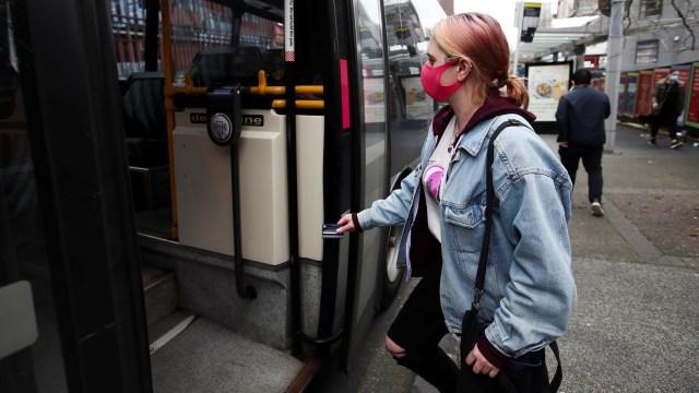 Selandia Baru Wajibkan Penggunaan Masker di Transportasi Umum (27020)