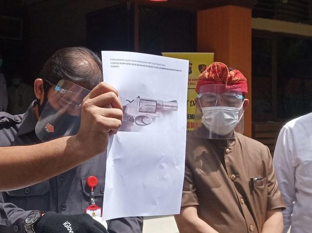 Polisi Temukan Senjata Ilegal Milik Pelaku Bunuh Diri di Kejati Bali (37679)
