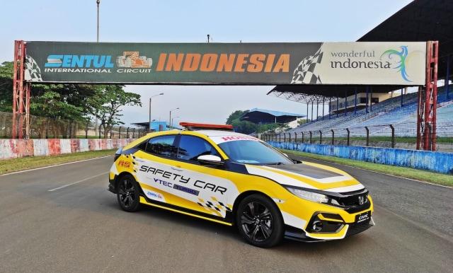 Honda Civic Hatchback RS dan Civic Turbo Jadi Safety Car di Sirkuit Sentul (110031)