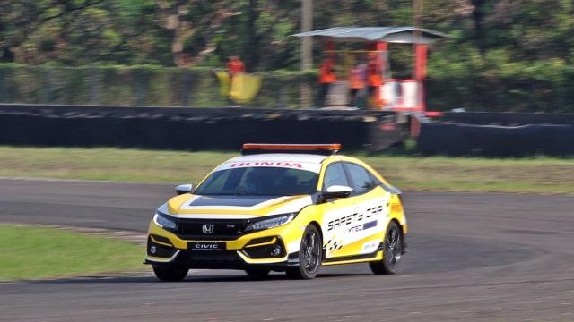 Honda Civic Hatchback RS dan Civic Turbo Jadi Safety Car di Sirkuit Sentul (110032)