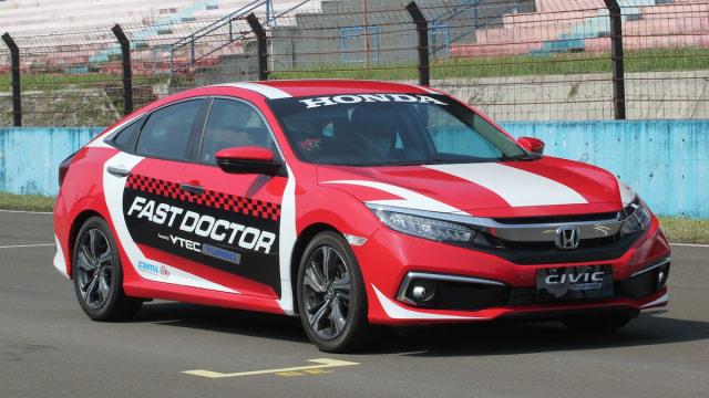 Honda Civic Hatchback RS dan Civic Turbo Jadi Safety Car di Sirkuit Sentul (110033)
