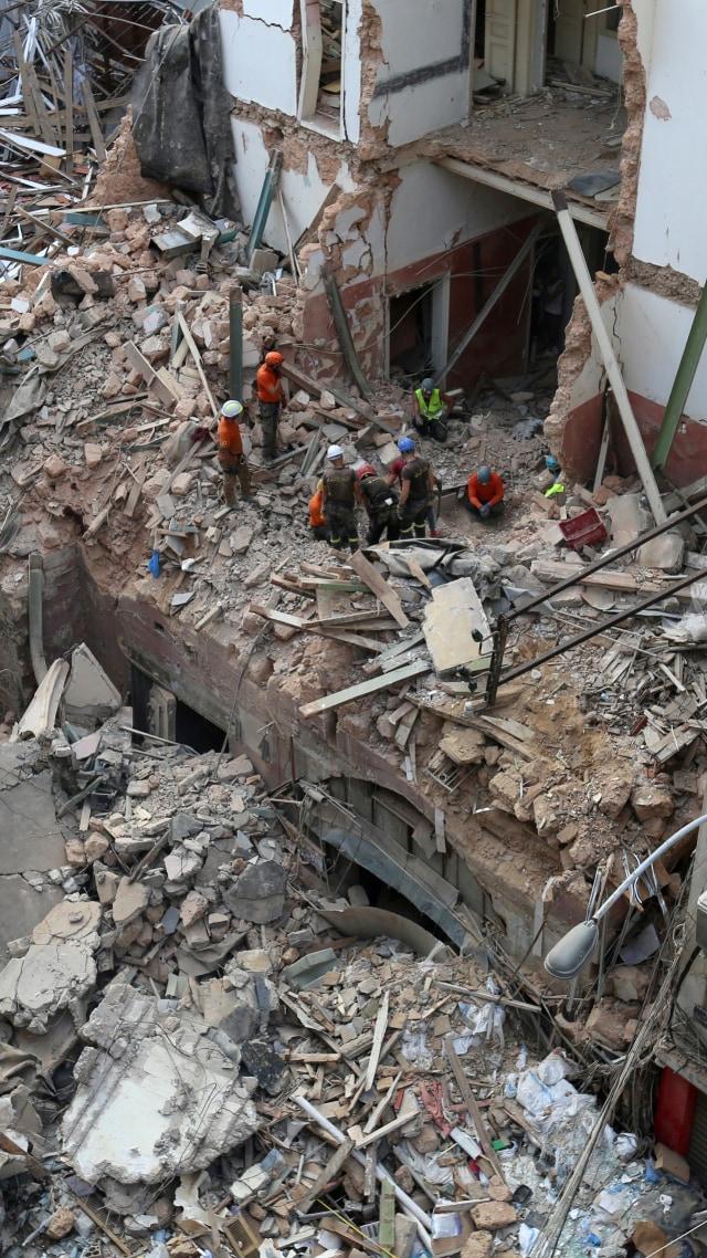 Foto: Menyusuri Sisa Reruntuhan Ledakan di Beirut (549381)