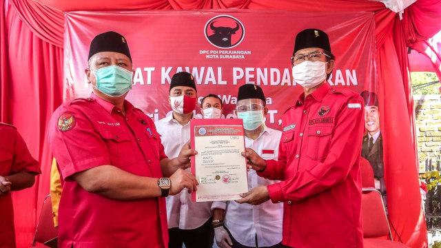 Whisnu Sakti Buana ke Kader PDIP di Pendaftaran Eri Cahyadi: Menangkan Surabaya (294676)