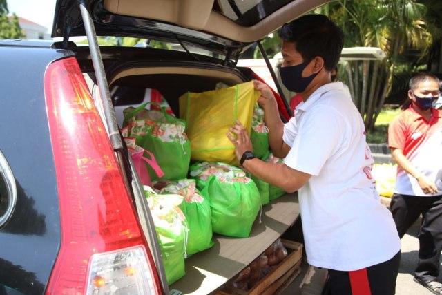 Dongkrak Harga Komoditas Pasar, ASN Pemprov Jateng Borong Sayur Petani (76443)