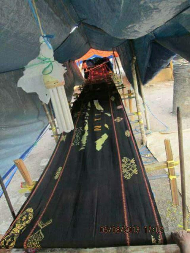 Melihat Kain Tenun Motif NKRI Sepanjang 68 Meter di Sabu Raijua, NTT (368140)