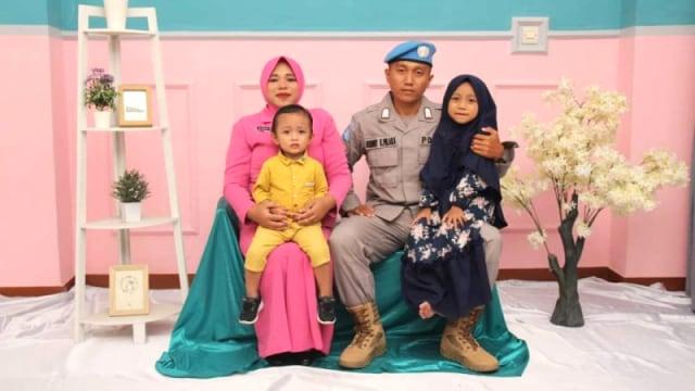 Tinggalkan Istri Hamil Tua Demi Misi Perdamaian (264288)