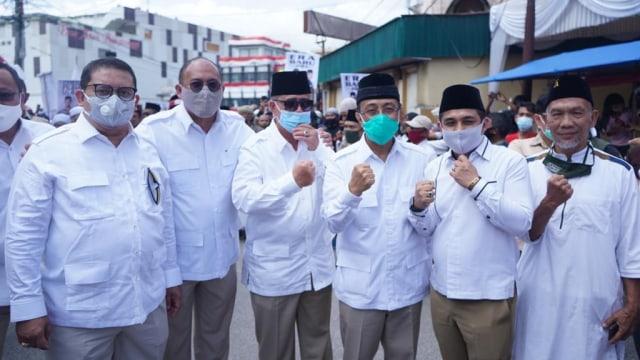 Saat UAS, Fadli Zon, hingga Ustaz Tengku Antar Erman ke KPU Bukittinggi (49311)