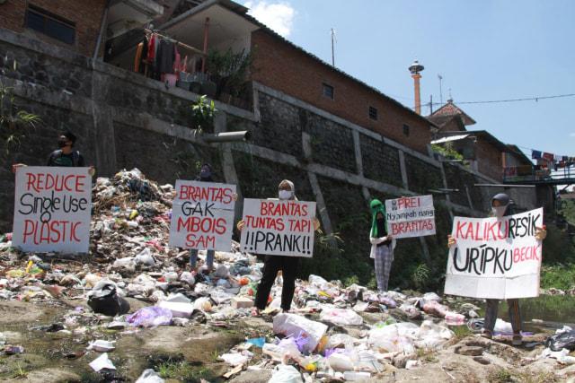 Foto: Pencemaran Mikroplastik, Sungai Brantas Kritis (291163)