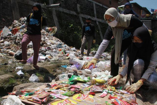 Foto: Pencemaran Mikroplastik, Sungai Brantas Kritis (291168)