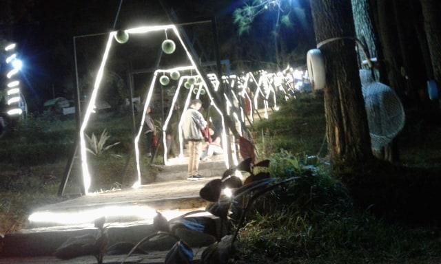 Pesona Wisata Clirit View pada Malam Hari di Hutan Pinus Kabupaten Tegal (129716)