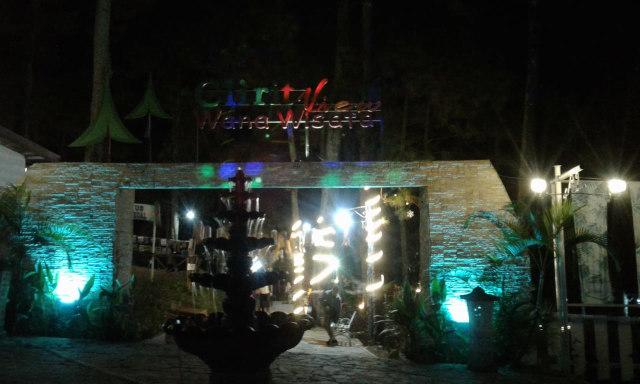 Pesona Wisata Clirit View pada Malam Hari di Hutan Pinus Kabupaten Tegal (129717)