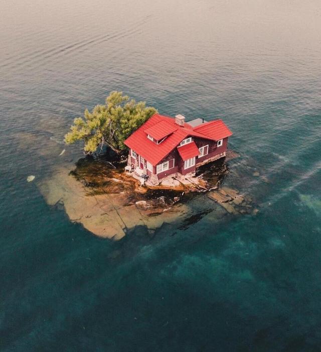 Menengok Pulau Terkecil di Dunia, Hanya Seukuran Satu Rumah (40590)