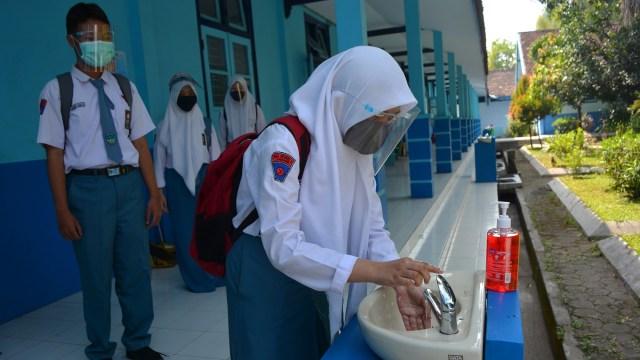 PTM di DIY Perhitungkan Target Vaksinasi Siswa, Sudah 177 SMA/SMK Capai 80% (7206)