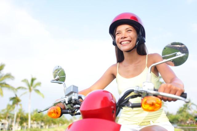 Viral! Demi Konten, Turis Rusia di Bali Buang Motor ke Laut (90483)