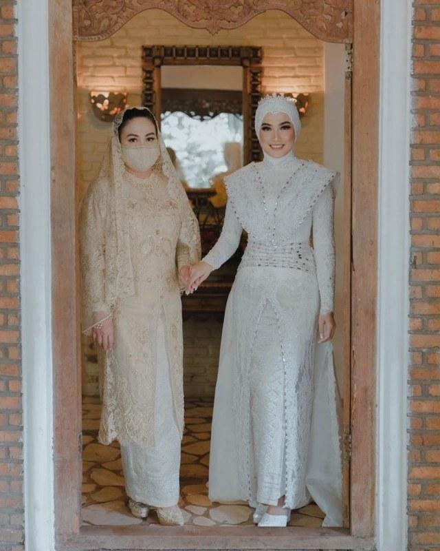 5 Potret Pernikahan Kakak Ipar Kahiyang Ayu, Jokowi Jadi Saksi Nikah (375736)