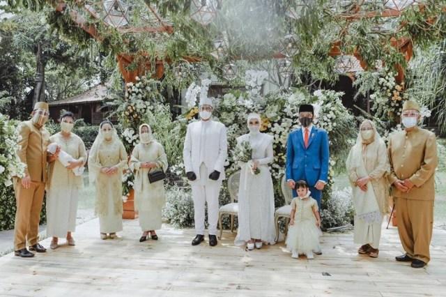 5 Potret Pernikahan Kakak Ipar Kahiyang Ayu, Jokowi Jadi Saksi Nikah (375737)