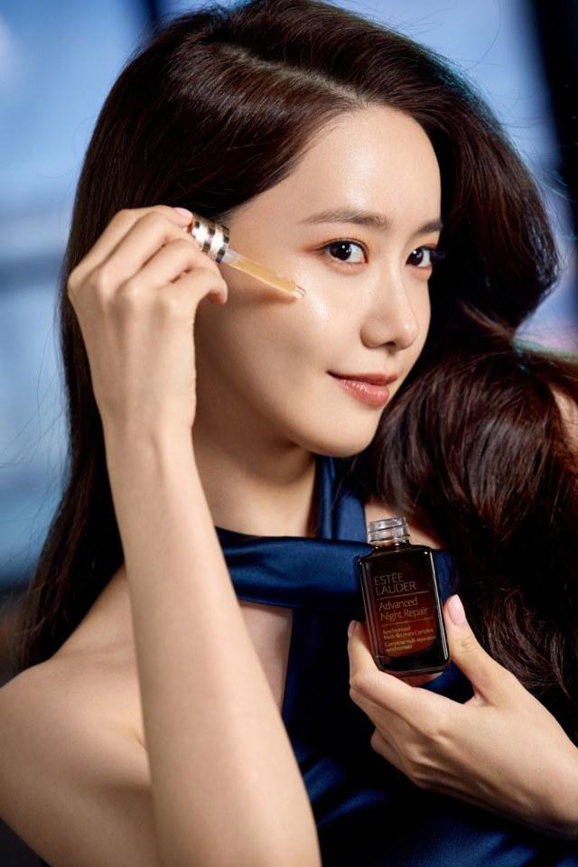 Tampilan Terbaru YoonA SNSD yang Jadi Brand Ambassador Estee Lauder (92853)