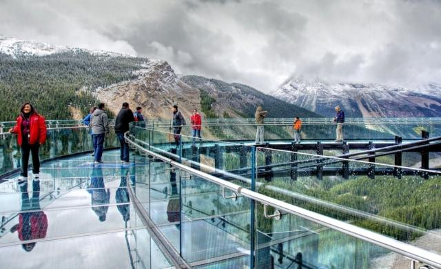 Ngeri-ngeri Sedap, Ini 7 Jembatan Kaca Terkestrem di Dunia (78167)