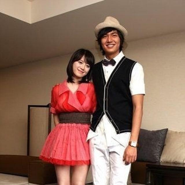 Berbadan Mungil Seperti Goo Hye Sun, Ini Tip Fashion Terbaik untuk Kamu (324306)