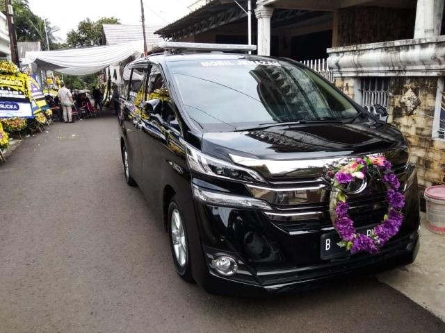 Ongkos Sewa Mobil Jenazah Mewah Toyota Alphard dan Vellfire di Jakarta (300433)