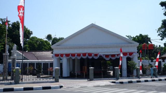 Nasib Makam Marius Hulswit Sang Arsitek Pertama di Hindia Belanda  (64786)