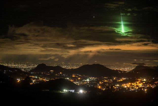 Foto Meteor Hijau Ini Ternyata Diambil Secara Tak Sengaja, Begini Kisahnya (212194)