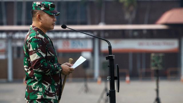 Foto: Gelar Pasukan Pendukung Penegakan Protokol Kesehatan PSBB di Jakarta (209233)