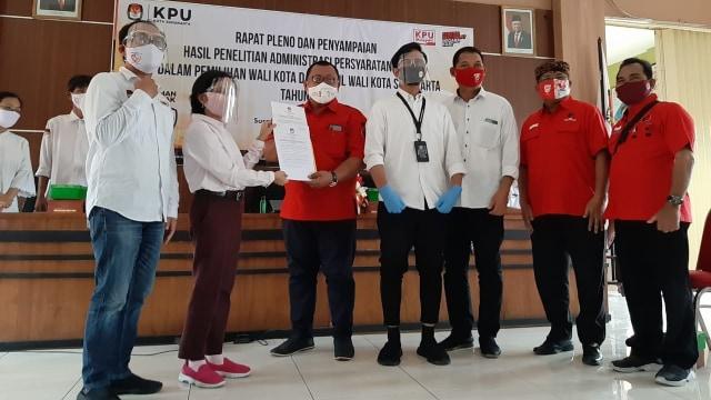KPU Tetapkan Gibran-Teguh dan Bagyo-Supardjo Paslon di Pilwalkot Solo 2020 (354711)