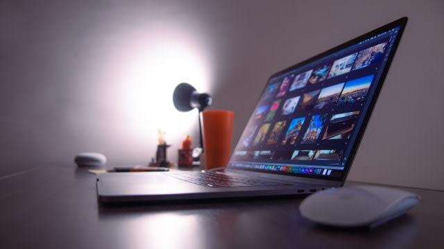 Ini Cara Paling Aman Untuk Log In ke dalam Laptop Windows dan MacBook (31051)