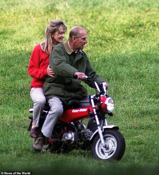 Tampak Langgeng, Ternyata Suami Ratu Elizabeth II Dikabarkan Pernah Selingkuh (29214)