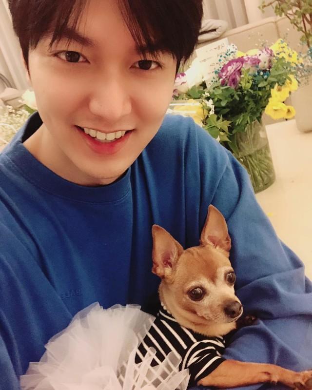 Bikin Fans Baper, Ini Potret Lee Min Ho Saat Tampak 'Boyfriend Material' (70374)