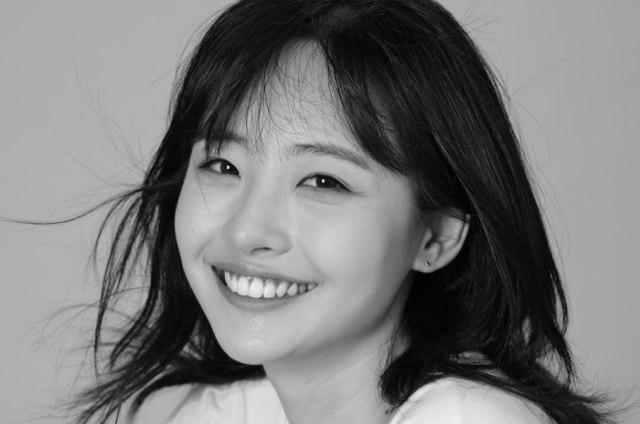 Benarkah Som Hye In Keluar dari Idol School Karena Anorexia? (210873)