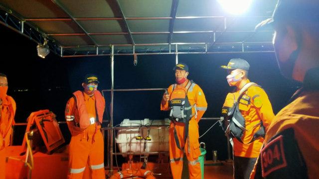 Kapal Pengangkut Semen Terbakar di Perairan Buton, 1 ABK Meninggal Dunia (10555)
