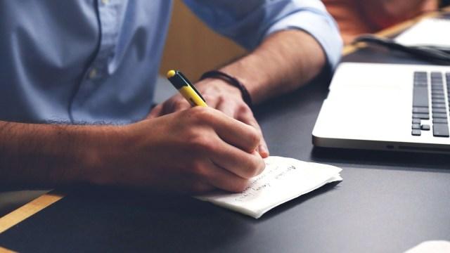 Dukung Kemampuan Otak, Menulis dengan Tangan Jauh Lebih Baik daripada Mengetik (821979)