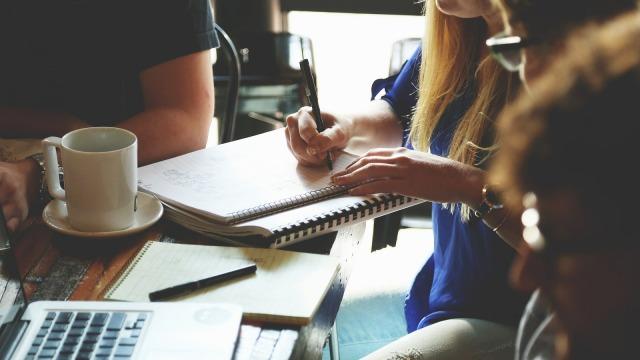 Dukung Kemampuan Otak, Menulis dengan Tangan Jauh Lebih Baik daripada Mengetik (821980)